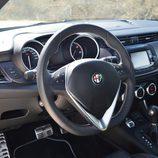 Prueba - Alfa Romeo Giulietta: Mandos del conductor