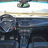 Prueba - Alfa Romeo Giulietta: Tablero de Abrodo