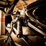 Ducati 749 - detalle puño izquierdo