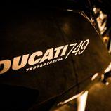 Ducati 749 - logo