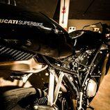 Ducati 749 - colín