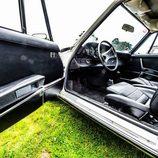 II Elegancia Tenerife - Ford Mustang interior