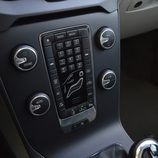 Prueba - Volvo V40 D4: Gran cantidad de botones