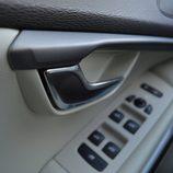 Prueba - Volvo V40 D4: Detalle maneta interior