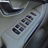 Prueba - Volvo V40 D4: Mandos elevalunas