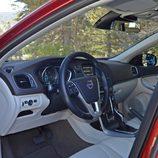 Prueba - Volvo V40 D4: Accedemos a su interior