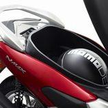 Yamaha N MAX 125 - cofre bajo el asiento