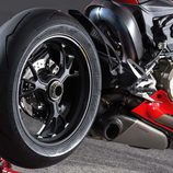 Ducati Panigale R 2015 rueda trasera