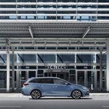 Toyota Auris 2016 - side