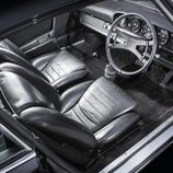 Porsche 911 S 2.4 Richard Hamilton - interior