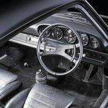 Porsche 911 S 2.4 Richard Hamilton - habitáculo
