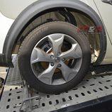 Mula Renault Laguna 2016 - Detalle rueda y pase de ruedas