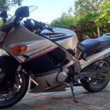 Kawasaki ZZR 600 1990 - side