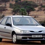 1993 - Renault Laguna: 3/4 frontal derecho