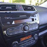 Prueba - Mitsubishi Space Star Motion: Radio integrada