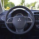 Prueba - Mitsubishi Space Star Motion: Volante