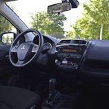 Prueba - Mitsubishi Space Star Motion: Mandos del conductor