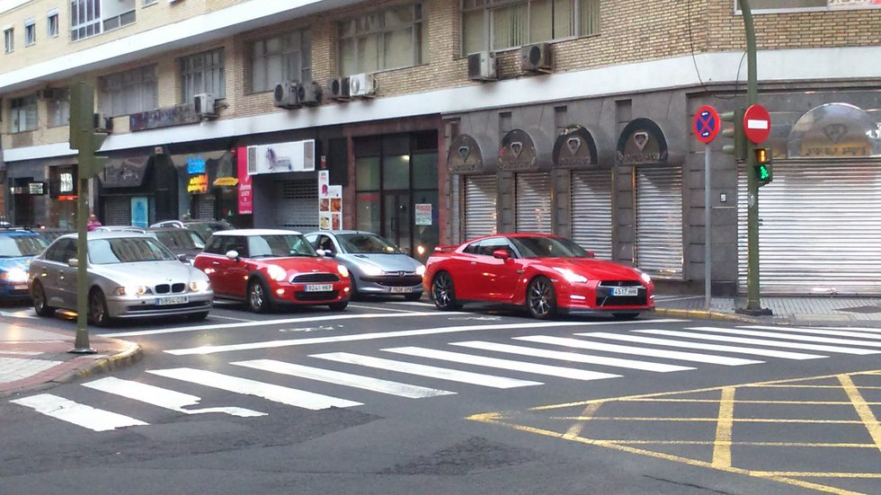 Nissan GT-R semáforo LPA