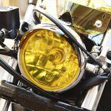 Yamaha XV 950 Yard Built 'The Face' - piloto