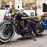 Yamaha XV 950 Yard Built 'The Face' - front