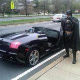 Lenny B. Robinson disfrazado de Batman