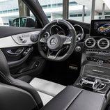 2016 - Mercedes AMG C63 Coupé: Interior