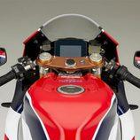 Honda RC213V-S - mandos