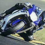 Nueva Yamaha R1 pilotada