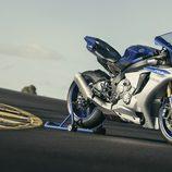 Nueva Yamaha R1 lateral derecho