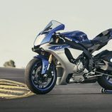 Nueva Yamaha R1 lateral izquierdo