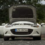 Mazda MX5 ND blanco frontal abierto