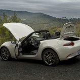 Mazda MX5 ND blanco perfil abierto
