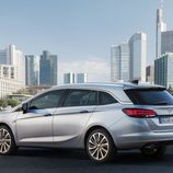 Opel Astra Sports Tourer - Lateral