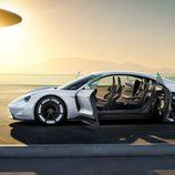 Porsche Mission E - Lateral