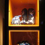 Exposición Alex Márquez - casco y botas 2014