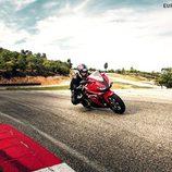 Honda CBR500R 2016 - de lado