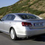 2006 - Lexus GS 450h: Trasera en movimiento
