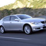 2006 - Lexus GS 450h: Frontal en movimiento