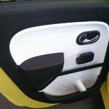 Renault Twingo 2015 - puerta trasera