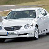 2007 - Lexus LS 600h: Frontal en movimiento