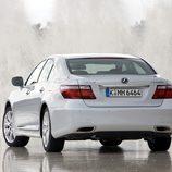 2007 - Lexus LS 600h: 3/4 Trasera izquierda