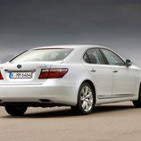 2007 - Lexus LS 600h: 3/4 Trasera derecha
