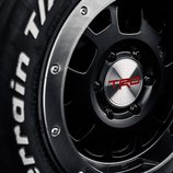 Toyota TAcoma 'Regreso al futuro' - ruedas