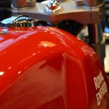 Royal Enfield Continental GT - depósito