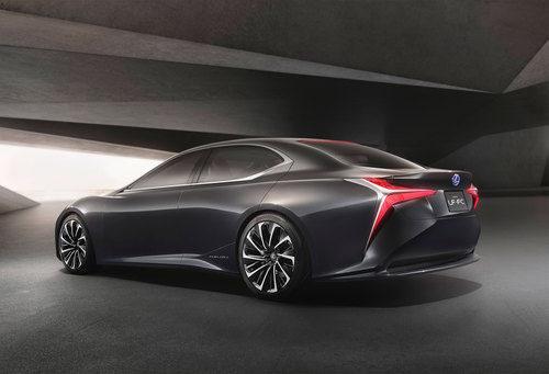 Lexus LF-FC Concept 2015 - vista 3/4 trasera