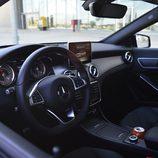 Prueba - Mercedes-Benz CLA Shooting Brake 220 CDI: Asomándonos a su interior
