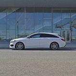 Prueba - Mercedes-Benz CLA Shooting Brake 220 CDI: Lateral