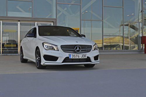Prueba - Mercedes-Benz CLA Shooting Brake 220 CDI: 3/4 frontal derecho