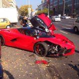 Ferrari LaFerrari accidentado - side