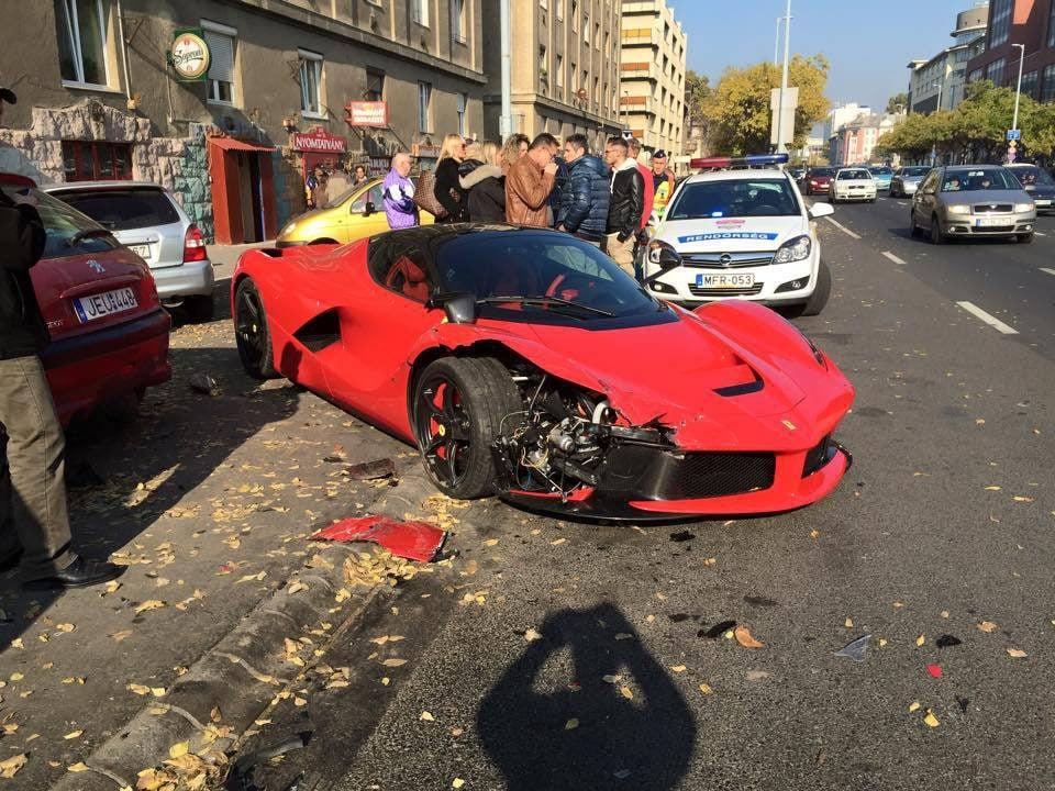 Ferrari LaFerrari accidentado - Budapest